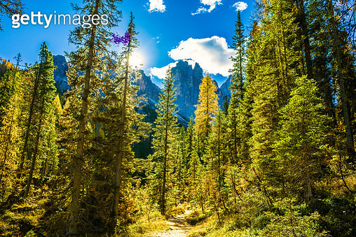 Spectacular mountain scenery in Dolomite Alps, Italy - gettyimageskorea