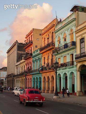 Colorful buildings in Havana, Cuba - gettyimageskorea