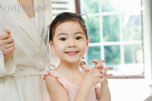 Happy little girl - gettyimageskorea