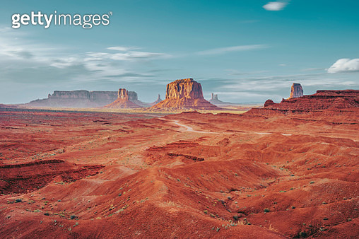 Monument Valley during a sunny day - gettyimageskorea