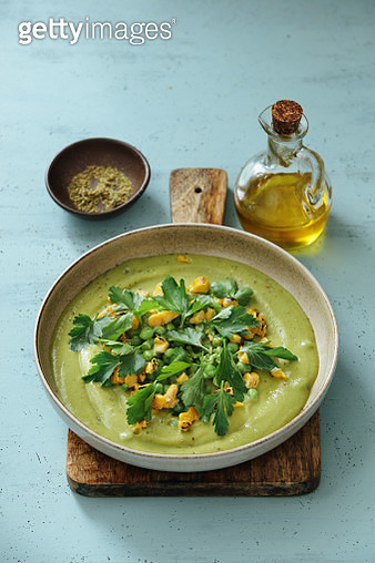 Spinach and Green Pea Soup with Grilled Corn - gettyimageskorea