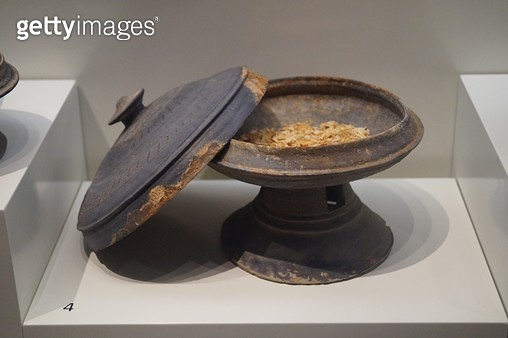 굽다리접시, 물고기뼈, 가야, 국립중앙박물관 - gettyimageskorea
