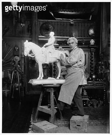 <b>Title</b> : Portrait of Jean Leon Gerome (1824-1904) in his studio (b/w photo)<br><b>Medium</b> : <br><b>Location</b> : Archives Larousse, Paris, France<br> - gettyimageskorea