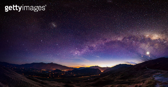 Scenic view of Queenstown, New Zealand with Milky Way - gettyimageskorea