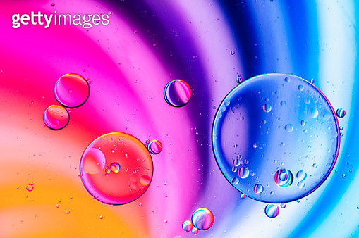 Abstract - Oil in water with colored background - gettyimageskorea