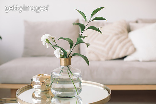 Flowers In Vase On Table At Home - gettyimageskorea