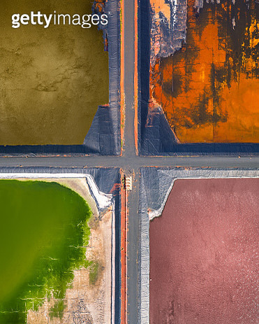Four tailing ponds at a gas plant as seen from directly above, Western Australia - gettyimageskorea