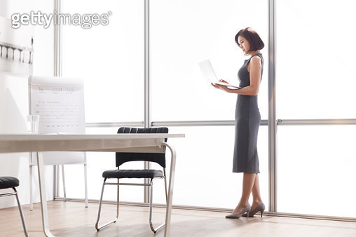 Business woman in the Office - gettyimageskorea
