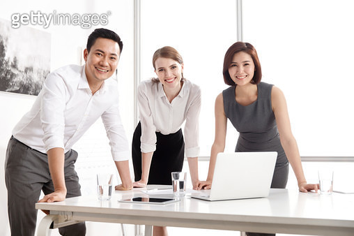 Business people have a meeting in the conference room - gettyimageskorea