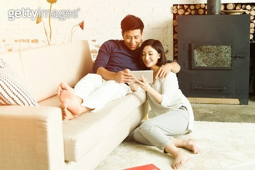 Tablet PC for young lovers - gettyimageskorea