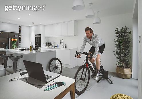 Cycle training indoors - gettyimageskorea