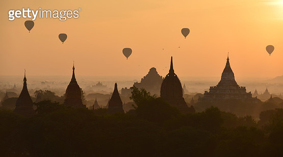 Bagan, balloons flying over ancient temples - gettyimageskorea