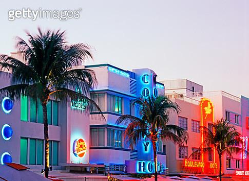 Art Deco buildings on Ocean Drive - gettyimageskorea