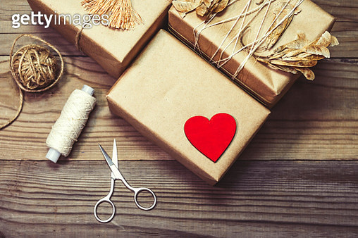 Directly Above Shot Of Gift Boxes On Wooden Table - gettyimageskorea