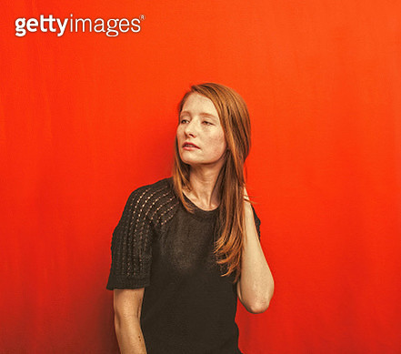 shelagh_on red 001 - gettyimageskorea