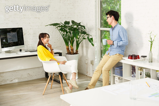 Young men and women at home office - gettyimageskorea