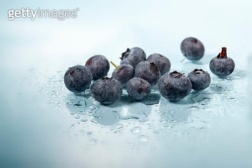 homemade fresh blueberry lemonade - gettyimageskorea