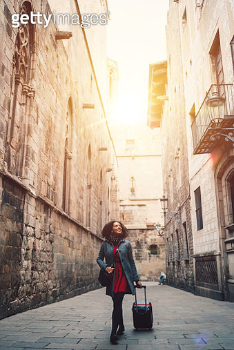 Businesswoman enjoying the beauty of Barcelona - gettyimageskorea