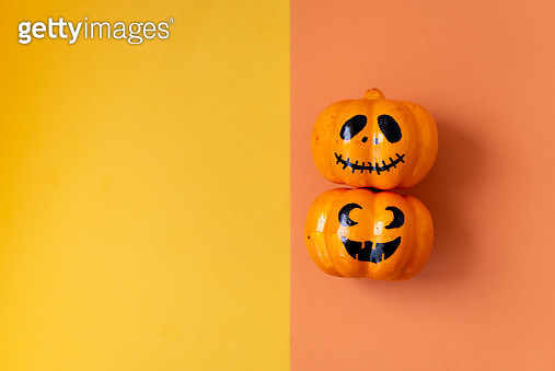 Table top view aerial image of decoration Happy Halloween day background concept.Flat lay accessories essential object to party the pumpkin - gettyimageskorea