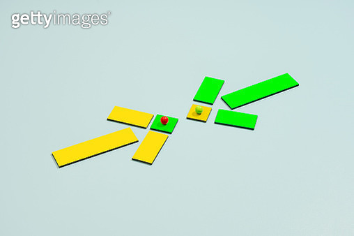 colored arrows pointing at each other - gettyimageskorea
