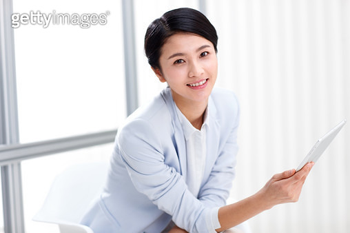 Business women use tablet computer - gettyimageskorea