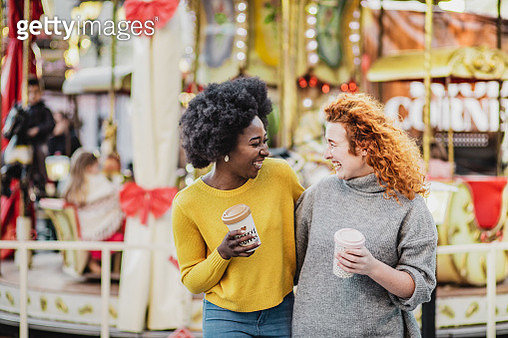 Photo of two female friends on the street - gettyimageskorea