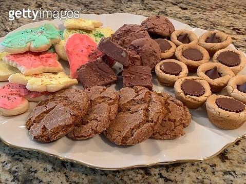 Homemade Holiday Cookie Platter - gettyimageskorea