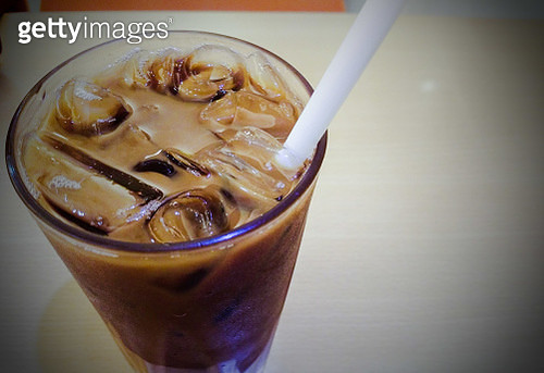 Close-Up Of Ice Cubes In Drink - gettyimageskorea