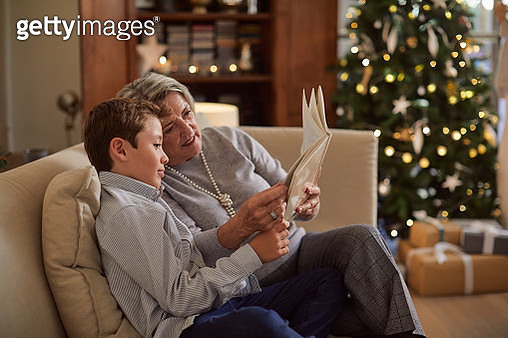 Celebrating Christmas, happy people at home. - gettyimageskorea