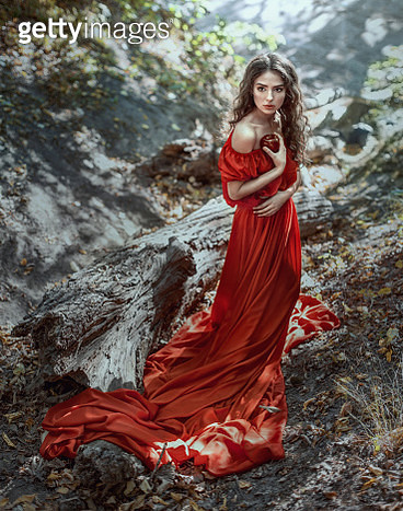 Lady in Red - gettyimageskorea