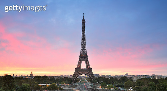 Sunrise in trocadero place with the beautiful Eiffel Tower - gettyimageskorea