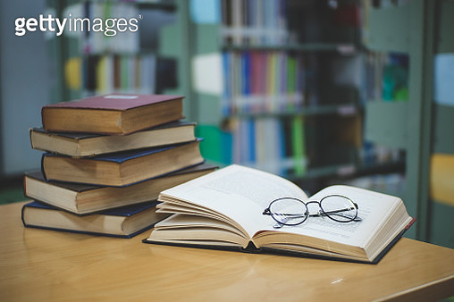 Close-Up Of Books On Table - gettyimageskorea