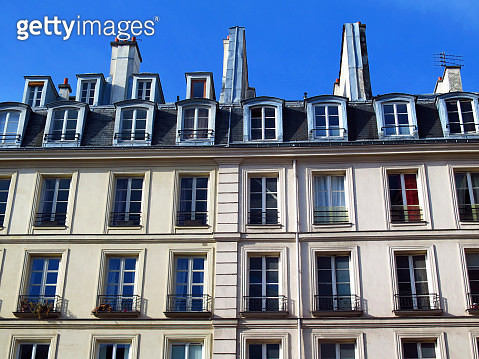 Close-up of the facade of a Parisian building apartments - gettyimageskorea