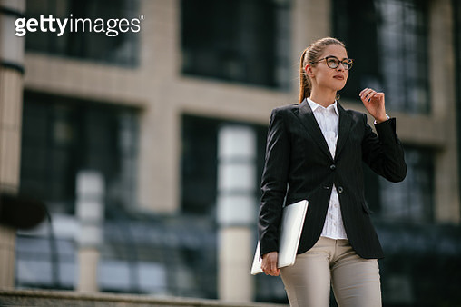 Young business woman outdoors - gettyimageskorea