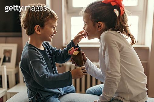 Eating together - gettyimageskorea