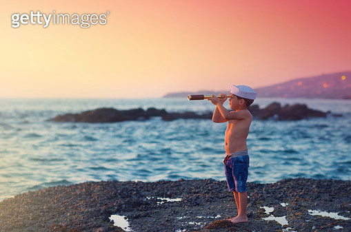 Looking For Pirates - gettyimageskorea