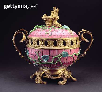 <b>Title</b> : A Chinese mounted 'Famille Rose' bowl and cover, 19th century (gilt bronze and porcelain)<br><b>Medium</b> : gilt bronze and porcelain<br><b>Location</b> : Private Collection<br> - gettyimageskorea