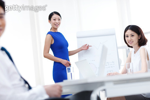 Young business people in the meeting room - gettyimageskorea