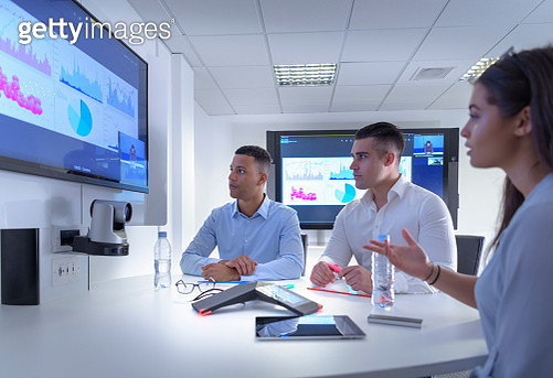 Business team using video conferencing, graphs and charts in business meeting - gettyimageskorea