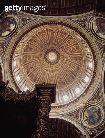 <b>Title</b> : View of the interior of the dome, begun by Michelangelo in 1546 and completed by Domenico Fontana (1543-1607) in 1593 (photo)<br><b>Medium</b> : <br><b>Location</b> : St. Peter's, Vatican, Rome, Italy<br> - gettyimageskorea