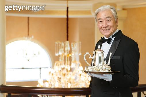 Senior butler in the tray - gettyimageskorea