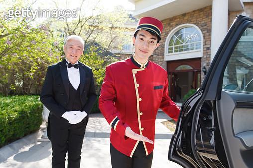 Oriental hotel service personnel - gettyimageskorea