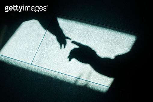 Hands of father and son sillhouette a concept of togetherness - gettyimageskorea
