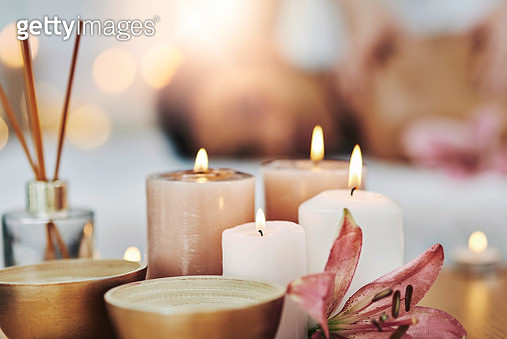 Candles to set some ambiance - gettyimageskorea
