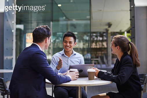 Business corporate meeting outdoors. Sydney Australia. - gettyimageskorea