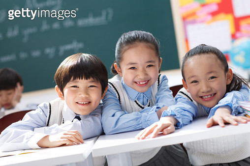 Primary school students to eat in the classroom - gettyimageskorea
