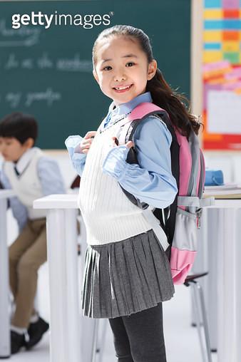 Elementary school students in the classroom - gettyimageskorea