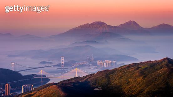 Dawn at Lantau Peak & Sunset Peak, Hong Kong - gettyimageskorea