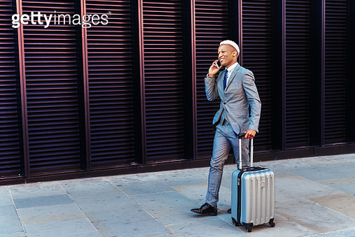Young African businessman in London, UK - gettyimageskorea