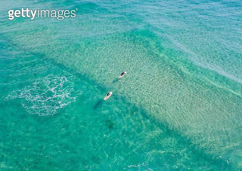 looking down on blue ocean  waters with surfers, Gold Coast  Australia - gettyimageskorea